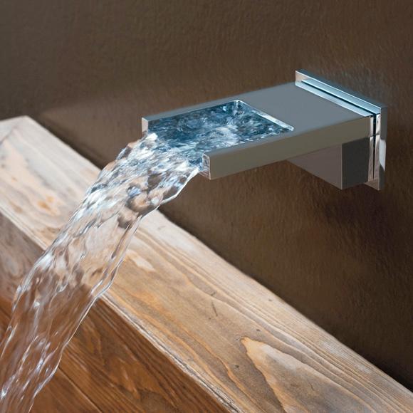 bossini bocca cascata schwallauslauf f r wanne und dusche. Black Bedroom Furniture Sets. Home Design Ideas